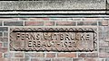 Fernsichtbrücke (Hamburg-Winterhude).Seite Rondeelkanal.Brüstung.Schriftzug.28987.ajb.jpg