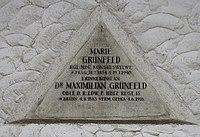 Feuerhalle Simmering - Arkadenhof (Abteilung ALI) - Familie Grünfeld 02.jpg