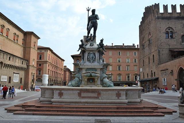 Fountain of Neptune, Bologna_5
