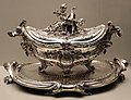 François-thomas germain, servito di re giuseppe I del portogallo, portavivande, parigi 1756-65, argento 09.jpg