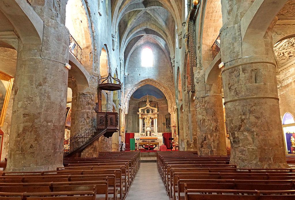 Nave de la cathédrale du Puy en Velay - Photo de Dennis Jarvis