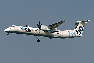 Flybe - Flybe Q400 wearing the old livery