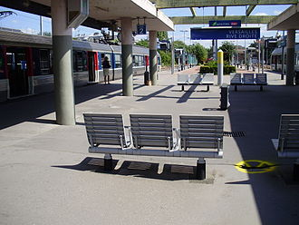 Transilien - Furniture and signage in the Versailles-Rive-Droite train station, in August 2010.