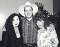 Garth Brooks with Jennie Frankel and Terrie Frankel Backstage during rehearsals at the Country Music Awards 1991.jpg