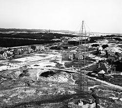 German FuMG 402 Wassermann radar at Bergen-aan-Zee c1943.jpg