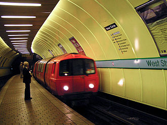 Glasgow Subway - An Inner Circle train arrives at West Street station.