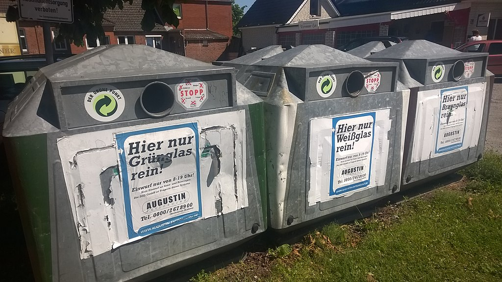 Glasrecycling containers in Wymeer, Oost-Friesland.jpg
