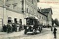 Gmünd, trolejbus přes nádražím (1907).jpg