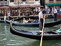 Gondole in canale.jpg