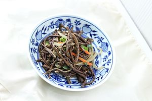 Pteridium aquilinum - gosari-namul, stir-fried and seasoned braken side dish