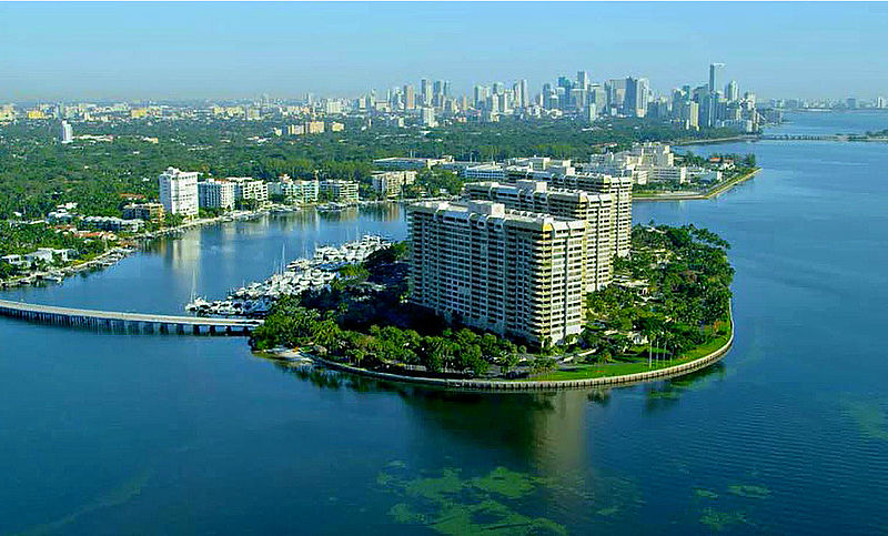 File:Grove Isle Miami Florida 01.jpg