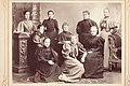 Gruppbild. Bl.a. Amalia Grönberg, sittande Fanny Sundström och Helmi Snellman (slsa1205 67, SLS).jpg