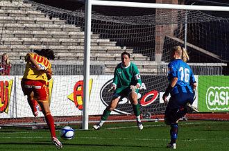 Guðbjörg Gunnarsdóttir - Guðbjörg (centre) playing for Djurgården in October 2012