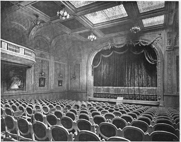 Auditorium and stage of the Theatre Femina Hotel Femina in 'La Construction moderne' 1907 p462 (view of stage, photo) - Google Books 2014.jpg