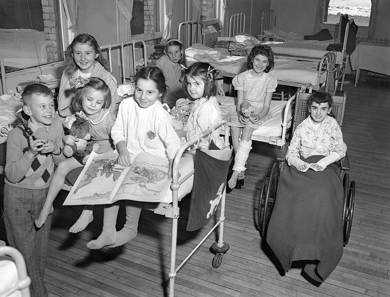 File Halifax Children S Hospital Group Of Young Patients