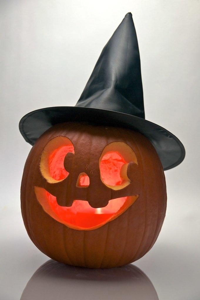 Halloween pumpkin witch hat - Evan Swigart