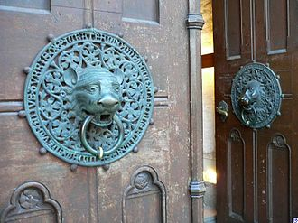 History of Hamburg - The lion head door handles of Hauptkirche St. Petri date to the late 1300s