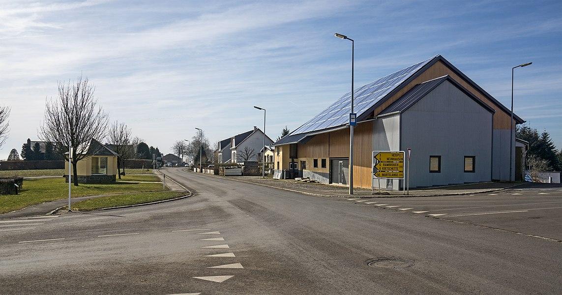 Main road in Grevels