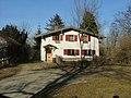 Haus auf dem Berg mit Flachdach - panoramio.jpg