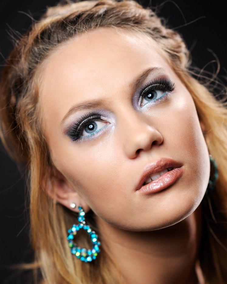 Headshot of Model with Blue Eyeliner