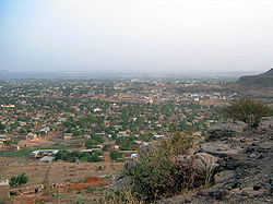 Hilltop view over BamakoE.jpg