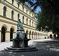Hofgarten Muenchen Nymphenbrunnen-1.jpg