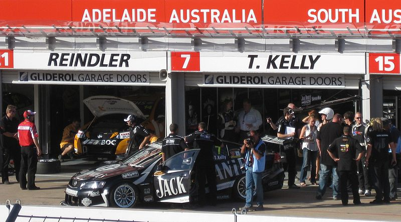 Holden VE Commodore of Todd Kelly.jpg