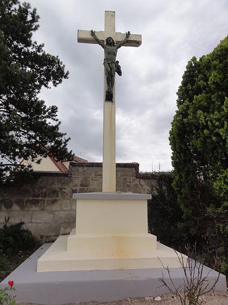 Holnon (Aisne) croix de chemin
