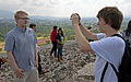 Hoo man photographs DerHexer atop the Pyramid of the Sun, Teotihuacan.jpg
