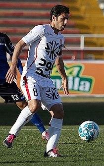 Hossein Badami playing for Padideh 02.jpg