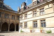 Hotel Cluny Cour.JPG