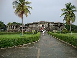 Hoysaleshwara temple in Monsoon.JPG