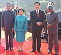 Hu Jintao and his wife Mrs. Liu Yongqing being received by the President, Dr. A.P.J. Abdul Kalam and the Prime Minister, Dr. Manmohan Singh, at a Ceremonial Reception, in New Delhi on November 21, 2006.jpg