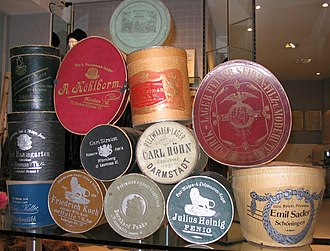 Hat box - A collection of vintage branded hat boxes of varying sizes