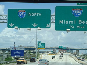 Interstate 95 in Florida - Interstate 95 northbound at the Midtown Interchange in Miami