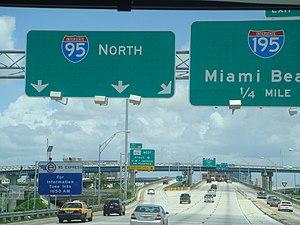 Interstate 95 in Florida - Interstate 95 northbound at the Midtown Interchange in Miami