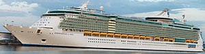 MS Independence of the Seas - Image: Independence of the Seas panorama in Las Palmas