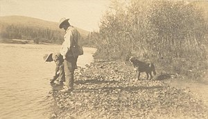 Indian River (Yukon) - Panning for gold on the Indian River, 1904; photo by Joseph Tyrrell, Thomas Fisher Rare Book Library