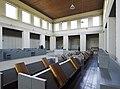 Interieur bovenkerk, zicht op de middenbeuk met koorbanken voor de monniken - Mamelis - 20536587 - RCE.jpg