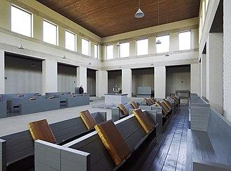 Hans van der Laan - Image: Interieur bovenkerk, zicht op de middenbeuk met koorbanken voor de monniken Mamelis 20536587 RCE