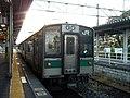 JR East Kumoha 701-105 at Sukagawa Station.jpg