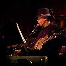 Jandek performing at the Suoni Per Il Popolo Festival in Montreal, Canada, 24 June 2007.(© John Pham)
