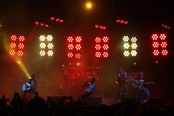 I Jane's Addiction nel giugno 2009 al Verizon Wireless Amphitheater di Charlotte per il NIN/JA tour.