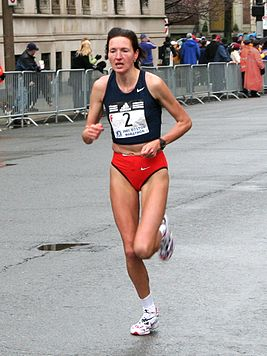 Jelena Prokopcuka at the 2007 Boston Marathon.jpg