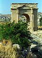 Jerash31-north tetrapylon(js).jpg