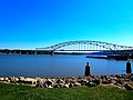 Julien Dubuque Bridge - panoramio (1).jpg