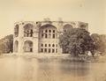 KITLV 100124 - Unknown - Jurrah Bag, the palace of Aurungzebe at Ahmadnagar in India - Around 1875.tif