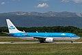 KLM, Boeing 737 (19079348095).jpg