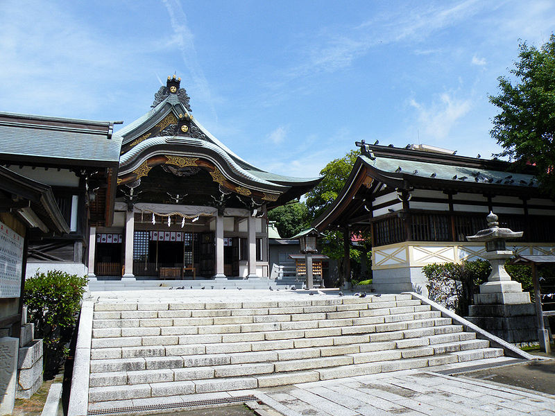 File:Kameyama hachimangu shrine.jpg
