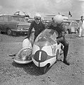 Kanshebbers TT in Assen. Max Deubel en Emil Hoerner voor Duitsland zijspan grote, Bestanddeelnr 915-3054.jpg